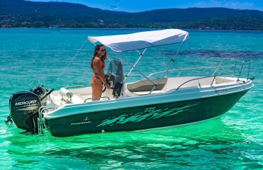 SIXTY rent a boat-106