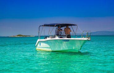 TRITON rent a boat-122