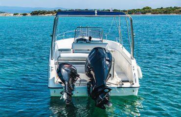 TRITON rent a boat-445