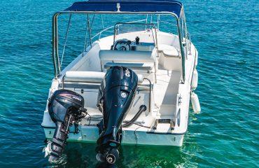 TRITON rent a boat-451
