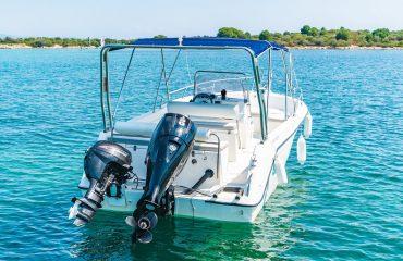 TRITON rent a boat-459
